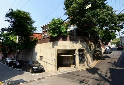 지난해 7월 H씨가 37억 원에 매입한 삼성동 주택.