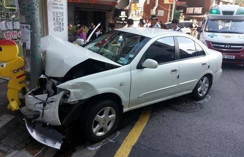 2013년 8월 25일 서울 강북구 미아동에서 발생한 차량 급발진 의심 사고(사진=뉴시스)
