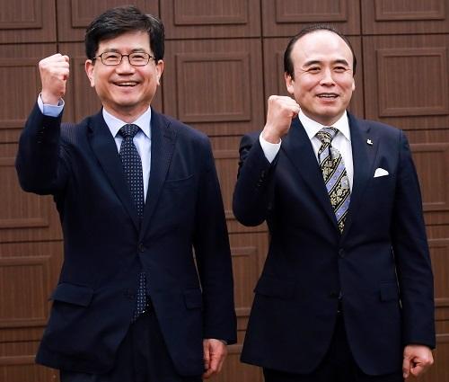 강철준 총장과 이승민 회장