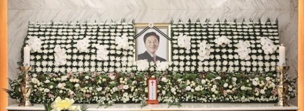 17일 오전 서울 서대문구 세브란스병원 장례식장에 정두언 전 새누리당 의원의 빈소가 마련돼 있다. / 사진 = 뉴시스
