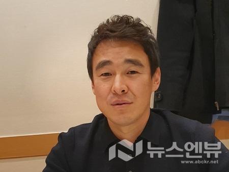 인터뷰 중인 김진규 KBS영상제작인협회 초대회장Ⓒ뉴스엔뷰